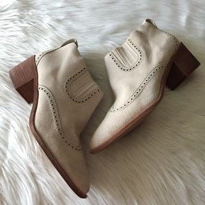 Madewell Shoes - Madewell The Grayson Brogue Chelsea Boot